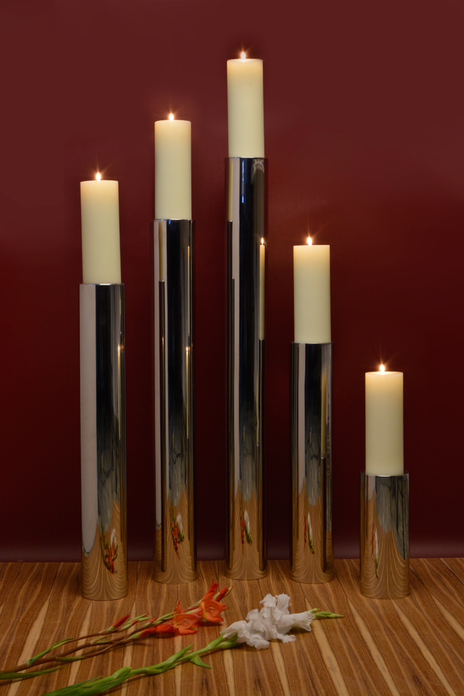 Round tower floor candle holder