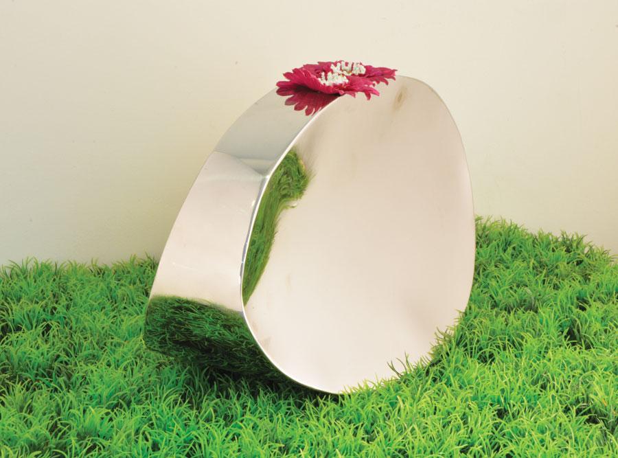 Anjelica flower vase