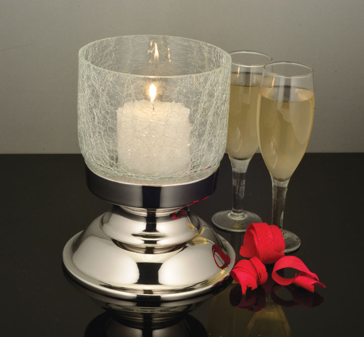 Dinner candle holder with crackle finish glass