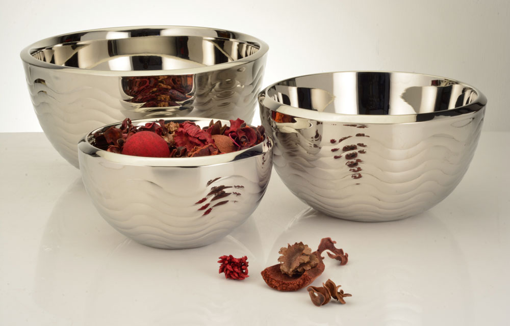 Deep round bowl with wave design