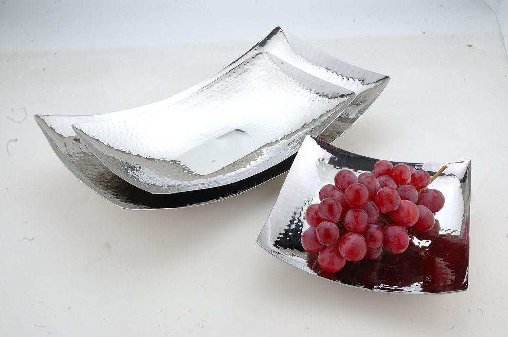 Curve tray
