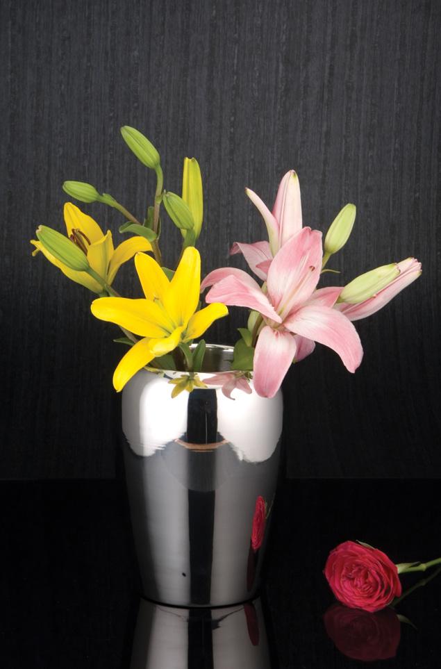 Vinca flower vase