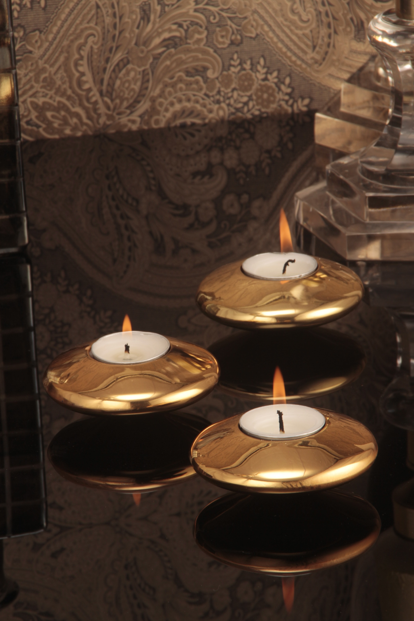 Sparkle tealight candle holder Gold